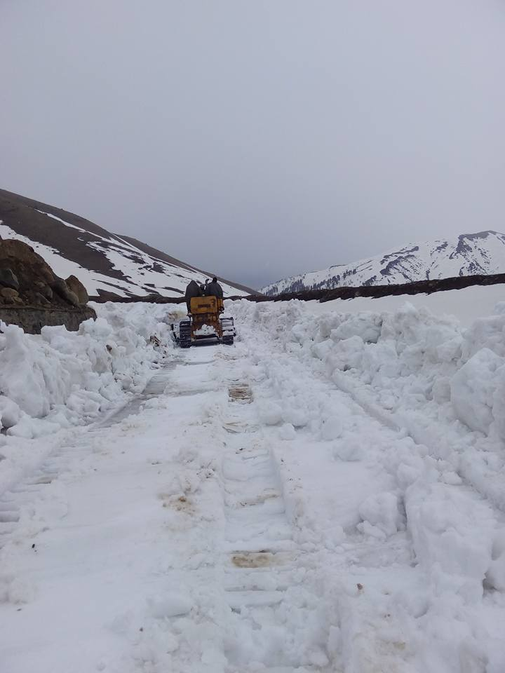 clearing snow from Mughal Road